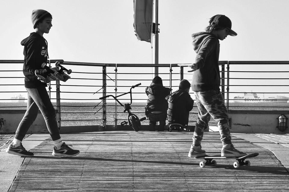 #streetphotography #blackandwhite #blackandwhitephotography #skating#sport#people #FreeToEdit